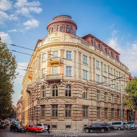 Bank-hotel